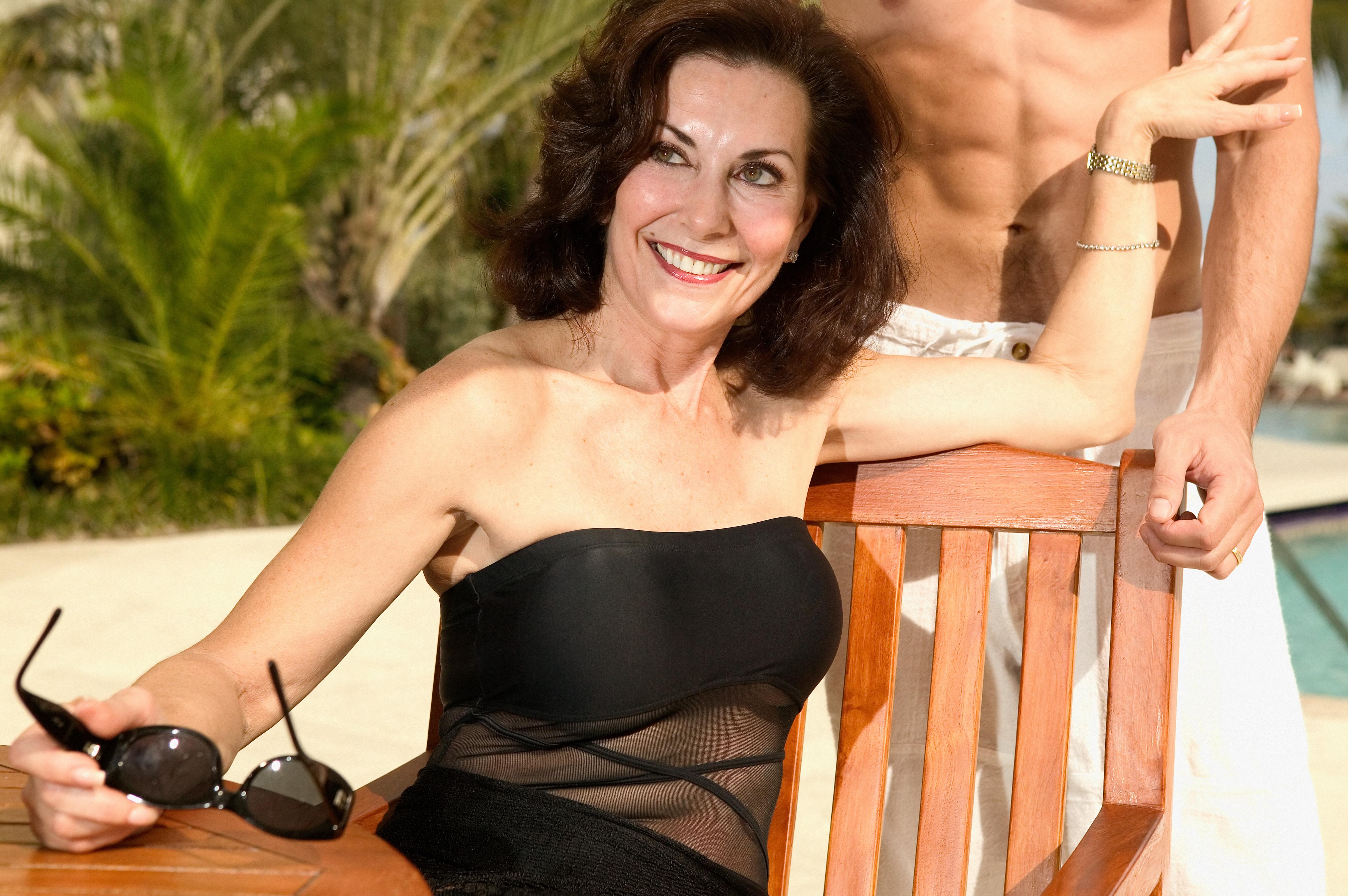 Фото дам в возрасте смотреть бесплатно, Зрелые женщины: порно фото на Возбуждает! 10 фотография